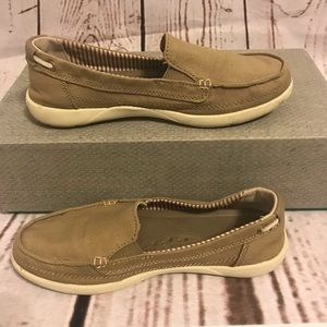 Crocs Dark Khaki Shoes Size 7